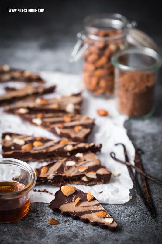 Gesunde vegane Schokolade selbermachen mit Mandeln und Lucuma