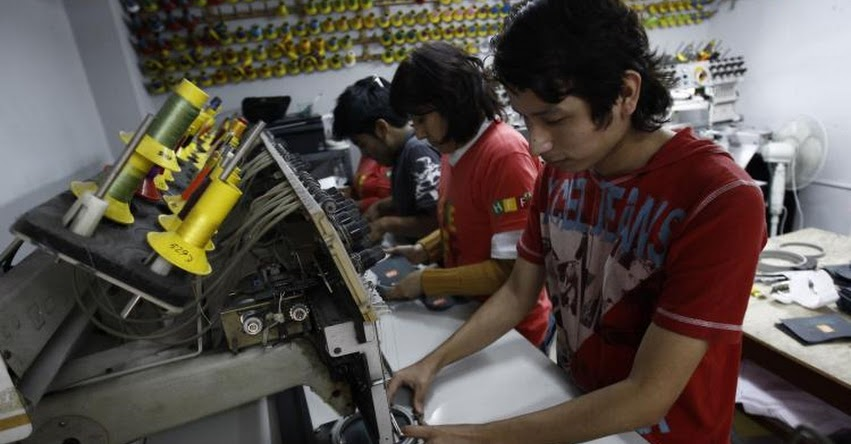 Gobierno subsidiará 35% de la planilla de trabajadores que ganen hasta S/ 1.500