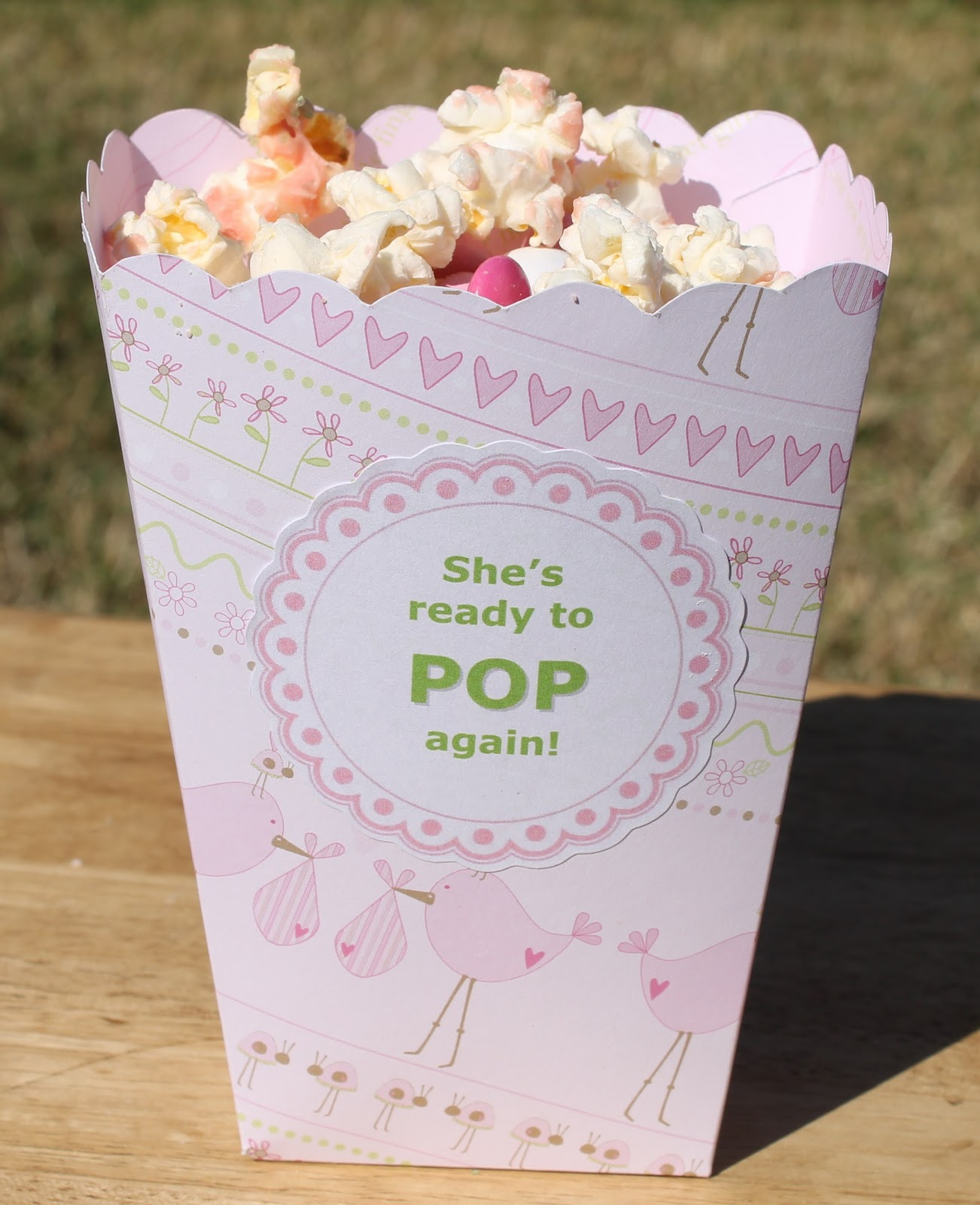 Desperate Craftwives: She's Ready To POP! Baby Shower Favors