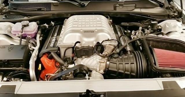 dodge charger srt hellcat widebody engine