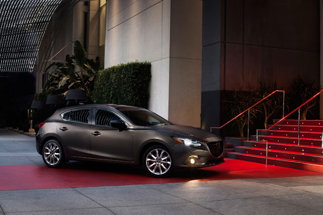 2014 Mazda3 S Grand Touring luxury shot