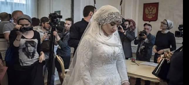 Baru 20 Menit Menikah, Pengantin Wanita Ini Gugat Cerai Suaminya
