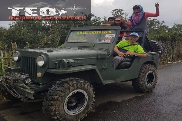 naik jeep wiliys keliling di batu malang
