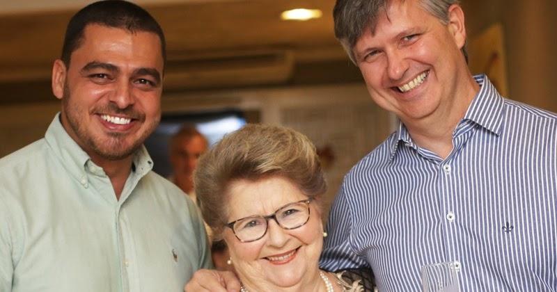 Bella Nápoli e Decanter promovem lançamento de vinhos brasileiros e  italianos ~ SALVADOR POR STEFANO DIAZ 87f4b6bd52