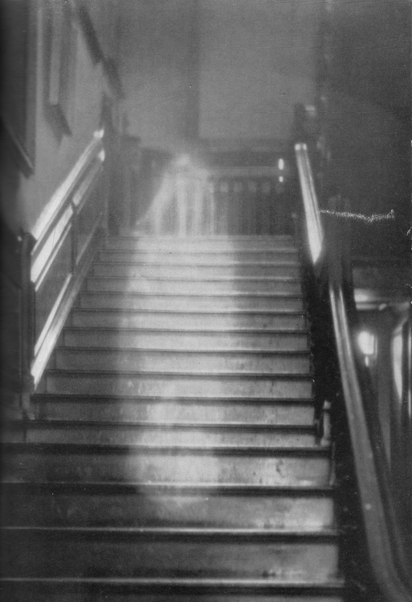 "randomyork: Photographing ""Real"" Ghosts!"