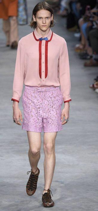 """La masculinidad ha tocado fondo: llegaron los 'Lace shorts'; y sí… Es encaje para """"hombres"""""""