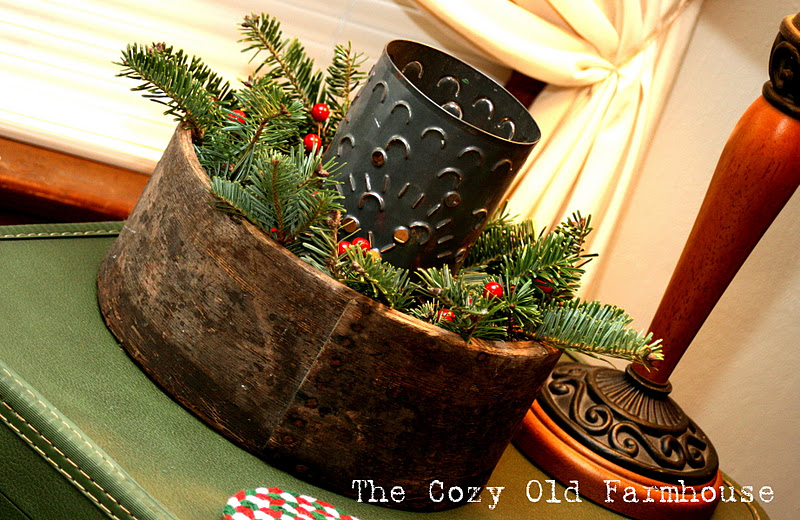 The Cozy Old quot;Farmhousequot;: A Little of My Rustic Christmas Decor