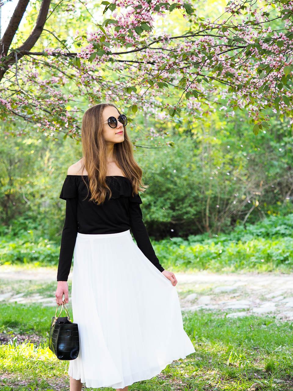 fadhion-blogger-summer-style-staples-2018-pleated-midi-skirt