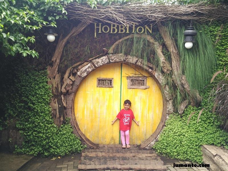 foto lagi rumah hobbit