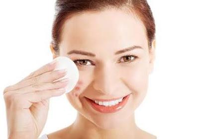 14 Cara Menghilangkan atau Mengurangi Minyak di Wajah