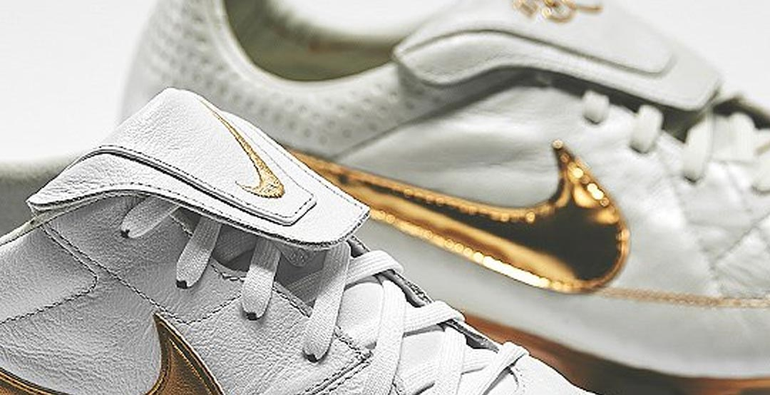 premium selection 69a8f e285a Drawing inspiration from the classic white and gold signature Ronaldinho  boots, the White  Metallic Gold Nike Premier 2 boots were rleased on the  birthday ...