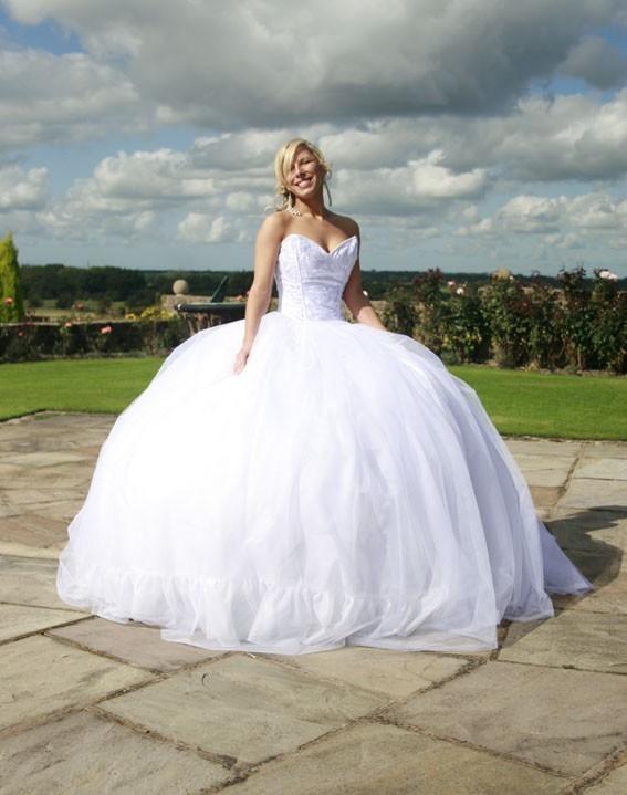 Gypsy wedding dress knitting gallery for Wedding dress for big girls