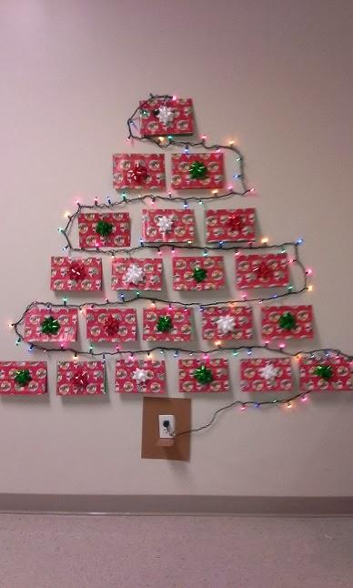 The Idea Cubby Christmas Card Tree