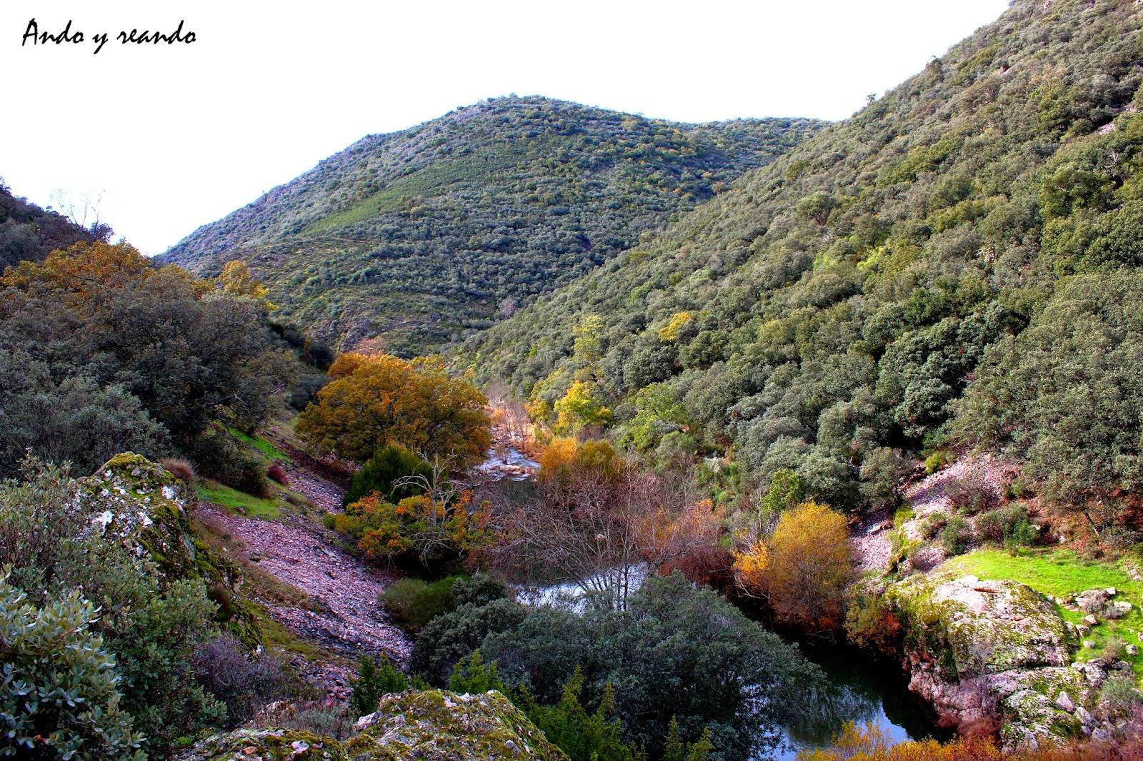 Otoño en la ruta del boquerón de Estena en Cabañeros