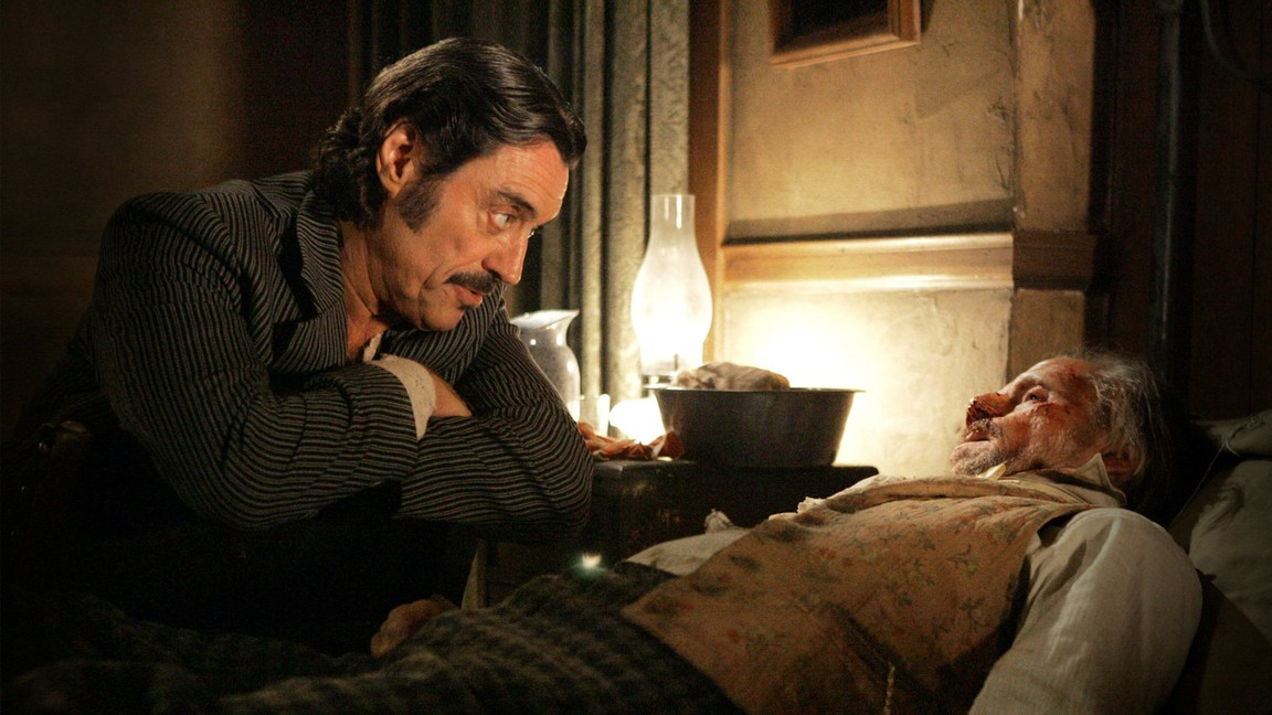 Deadwood - Season 3 Episode 01: Tell Your God to Ready for Blood