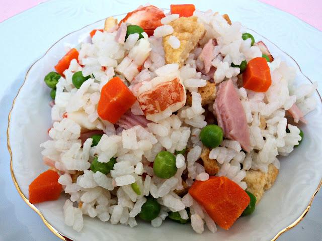 arroz-cinco-delicias-frito-cerca