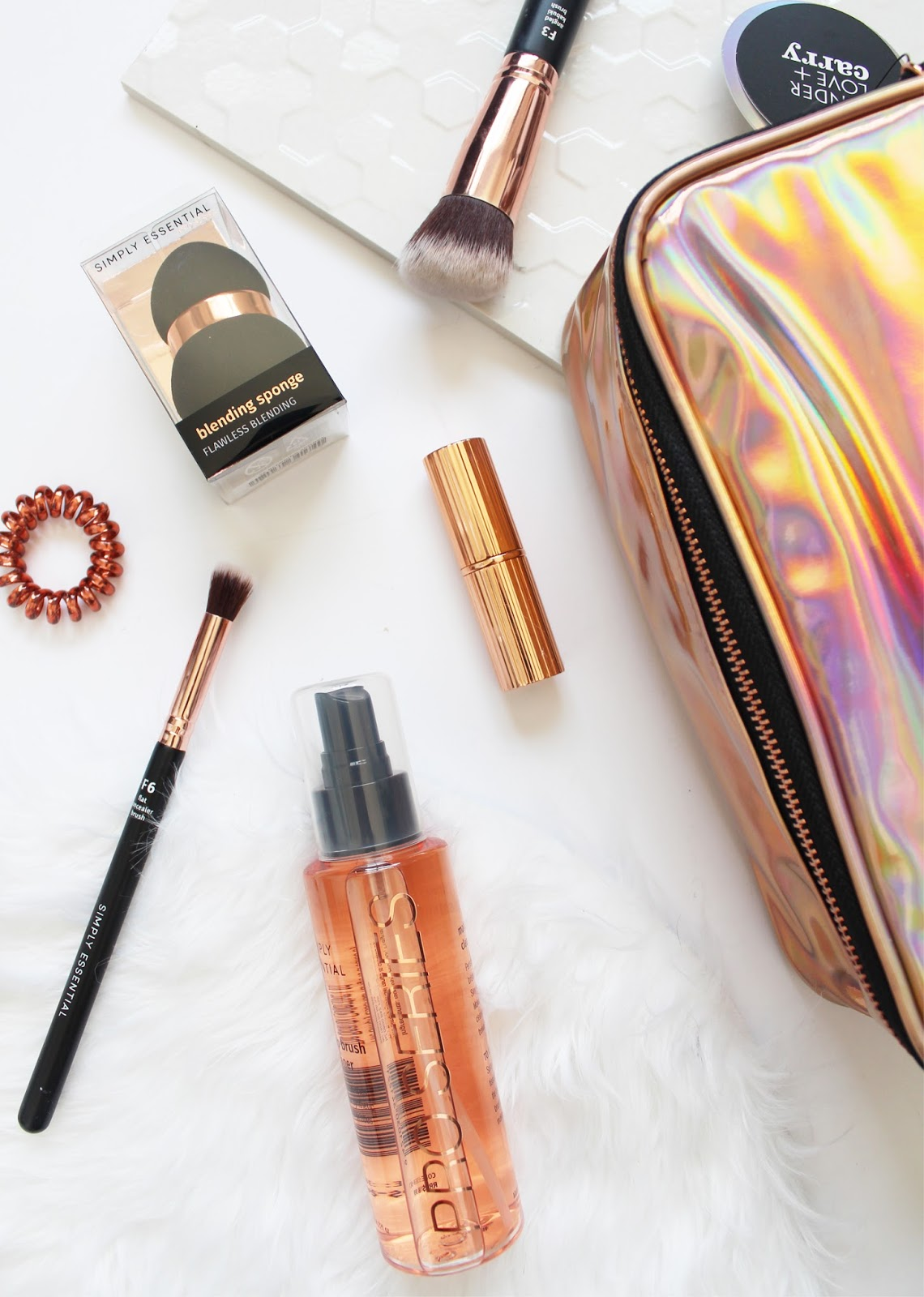 ROSE GOLD OBSESSED | Tender, Love + Carry + Simply Essentials - CassandraMyee