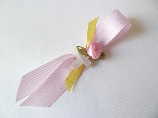 μαρτυρικά για κοριτσάκι με λουλουδάκι και ροζ κορδελάκι