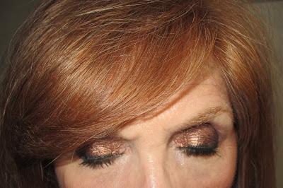 Imagen Ojos cerrados look brown miss cop