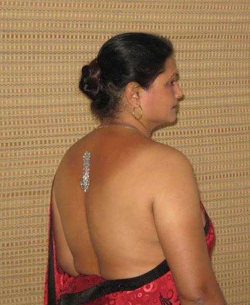 tamil aunties without blouse photos