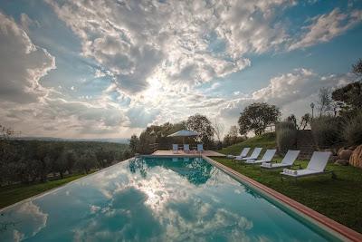 resort toscana piscina matrimoni