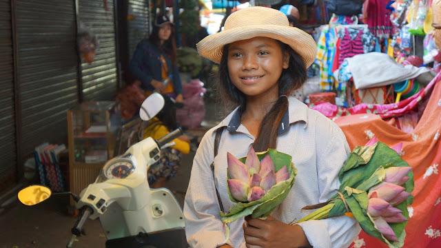 Visage du Jour : Vendeuse de fleurs de lotus