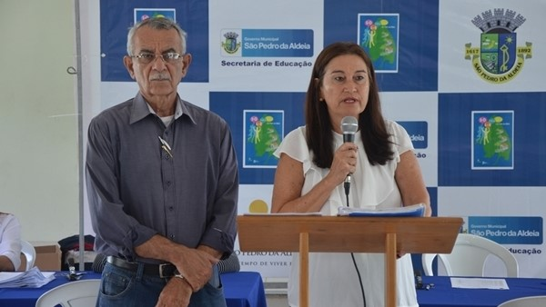 Concursados da educação são empossados em São Pedro da Aldeia