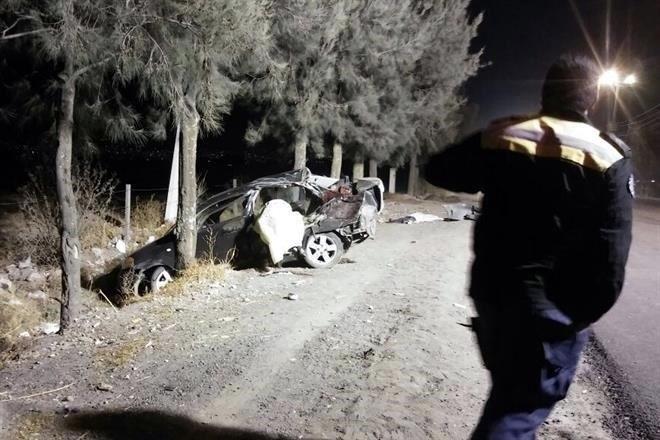Mueren cinco adolescentes en choque; el conductor tiene 12 años