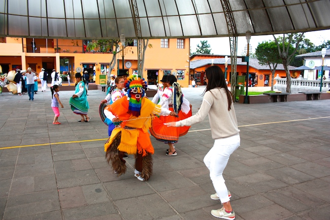 Dancing with the devil in Mital del Mundo, Quito