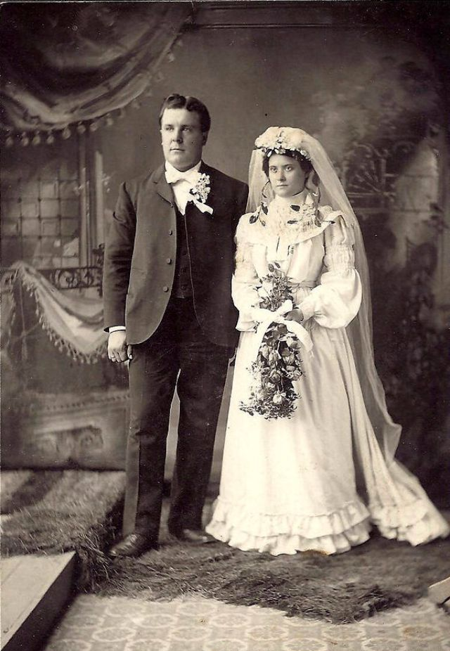 Wedding in early photography 33 lovely photos of just for 19th century wedding dresses