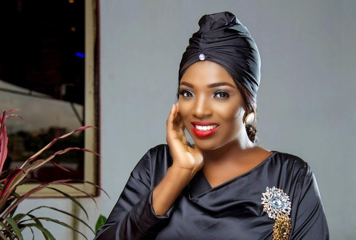 Annie Idibia throwing shades at 2face Idibia's other baby mama