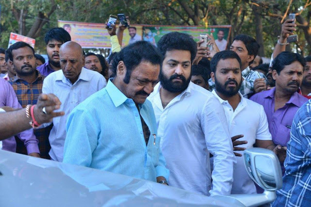 Jr ntr pays tribute to sr ntr photos