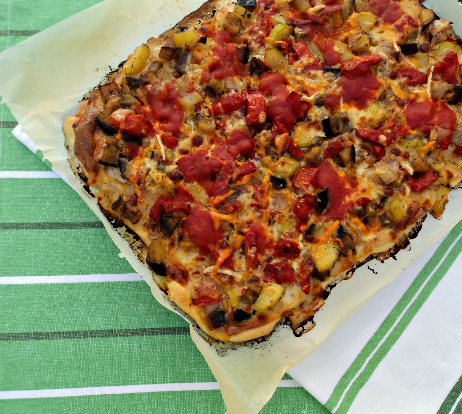 pizza-verduras-entera