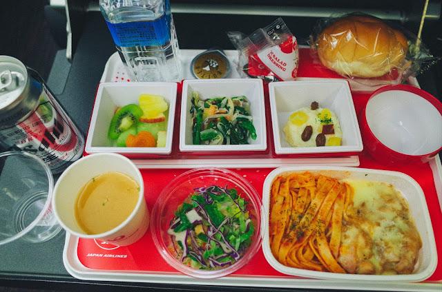 機内食1(夕食) その1