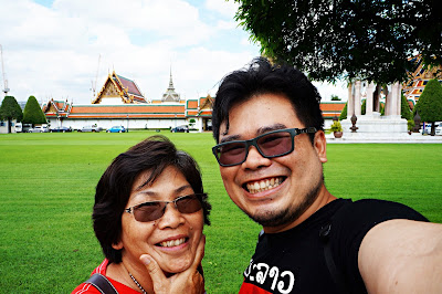 Traveling with mom di Thailand