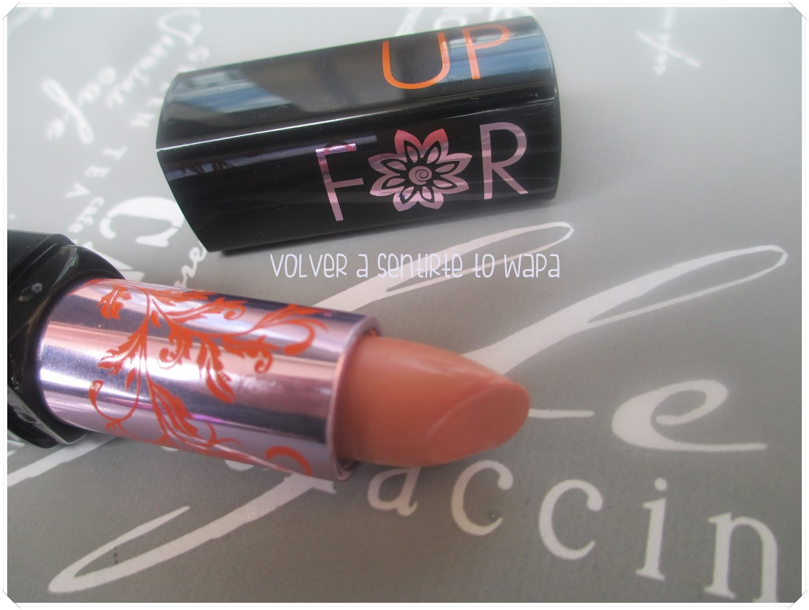 Labial de Make Up For Ever, edición Colección La Boheme