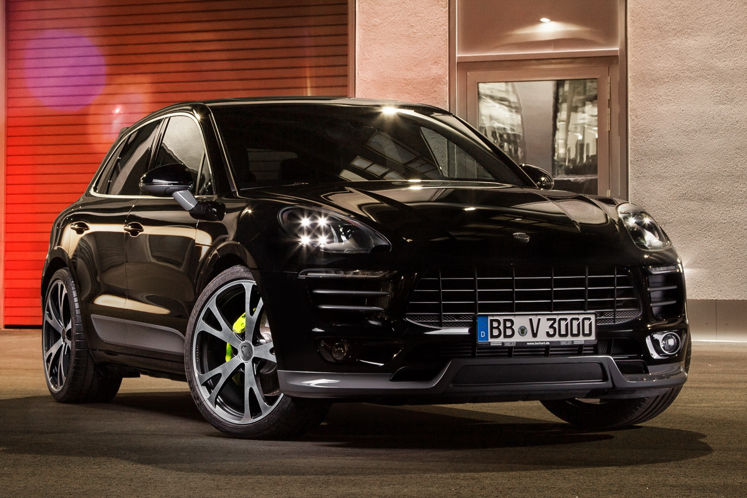 porsche macan powered and styled up with techart parts carscoops. Black Bedroom Furniture Sets. Home Design Ideas