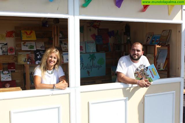 La 'biblioplaya' de Santa Cruz de La Palma comienza sus actividades para el fomento de la lectura