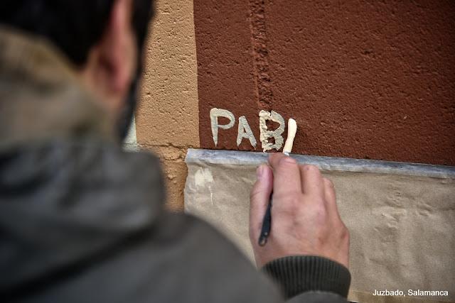 Juzbado, mural libro abierto Joaquín Vila y Pablo S. Herrero