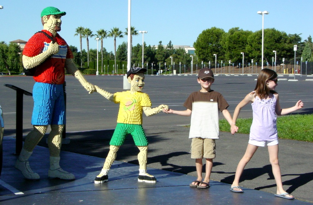 kids with Lego people at Legoland