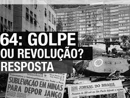 Imagem com varias pessoas nas ruas em 1964 pedindo intervenção militar, e com uma pergunta em foco, 1964, golpe ou revolução?