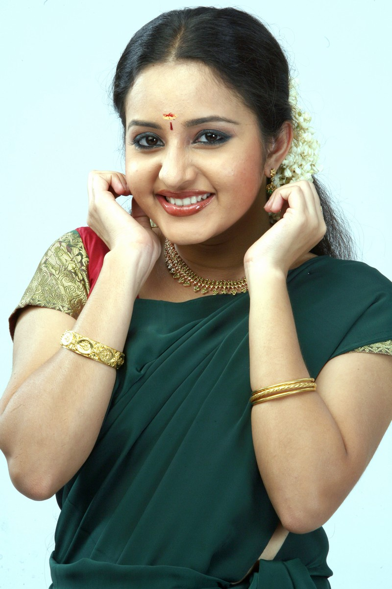 Bhama Pics - Indian Actresses Wallpapers Gallery-4429