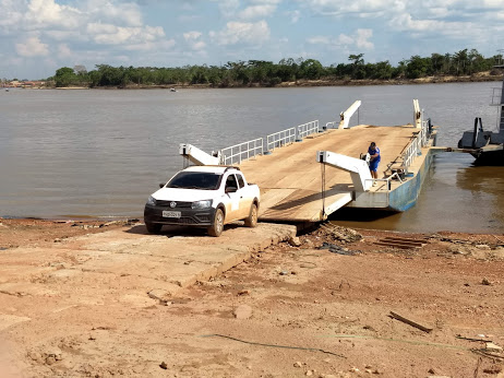 Polícias de Guajará-Mirim recuperam na Bolívia veículo furtado da Caerd
