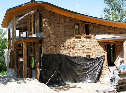 cdefe9e4b1fac Valium50  Construa a sua casa com... palha!