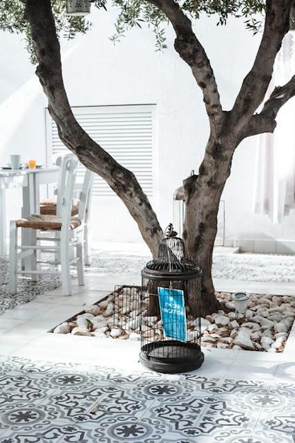 Ideas To Create a Mediterranean Terrace 8
