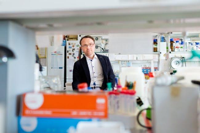 Prof. Janusz Bujnicki - fot. OneHD
