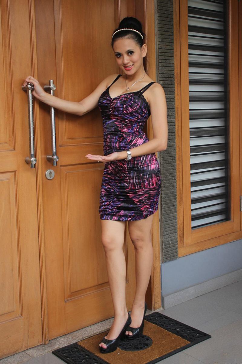 Paha Mulus Yeyen Lidya tante cantik