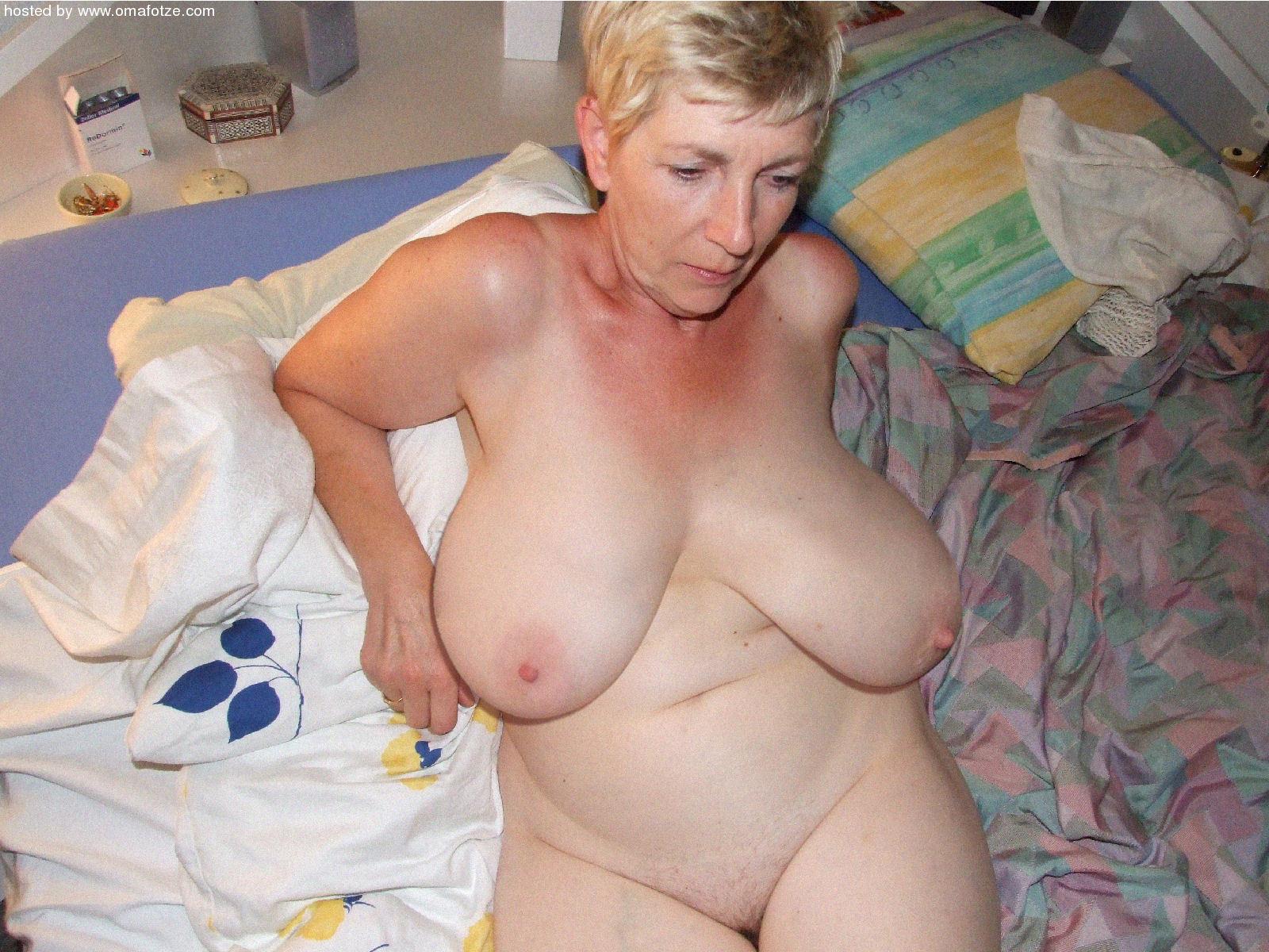 Huge Tits Mature Porn