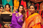 diksha launches trendz exhibition-thumbnail-9