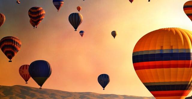 Voo de balão ao nascer do Sol na Capadócia
